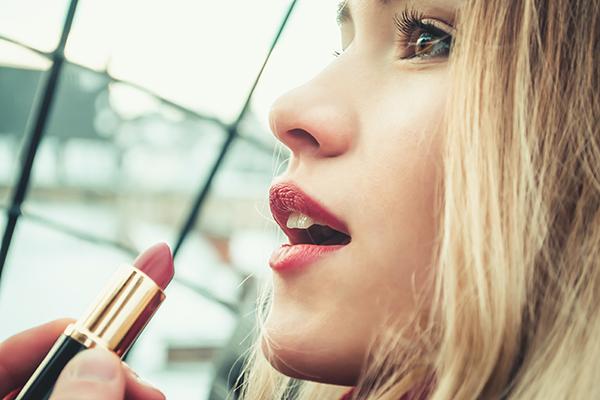 DaiGo(メンタリスト)口紅の塗り方で男性にモテる女性になる方法!