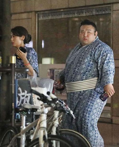 有希奈と貴景勝の婚約発表は週刊誌に同棲がバレたから?