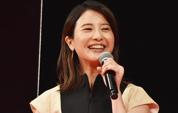 吉高由里子の歯が黄色い!歯並び治して前歯は差し歯?【画像】